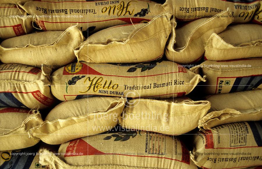 Indien Haryana, Sunstar Reismuehle, Verarbeitung von konventionellem und Fairtrade sowie Bio Basmati Reis aus dem Projekt Khaddar Farmer bei Dehradun / INDIA Haryana, Sunstar ricemill processing of conventional and Fairtrade and organic Basmati rice from project of Khaddar Farmers near Dehradun for export