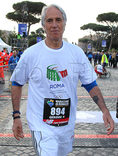 10.04.2016. Rome, Italy. 22nd annual Marathon of Rome City and Run for Fun.  Giovanni Malagò, President of CONI.
