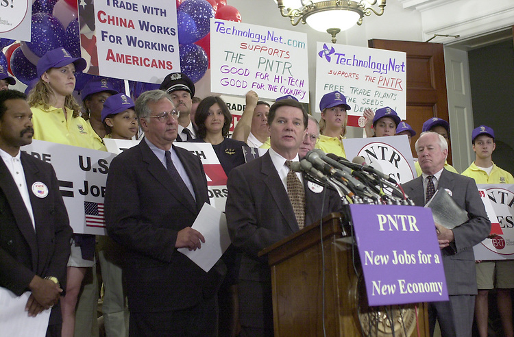 Delay T.4(DG) 052300 -- Majoritywhip Tom Delay, R-Texas, Dick Armey, R-Texas, and others during the GOP China trade vote rally.