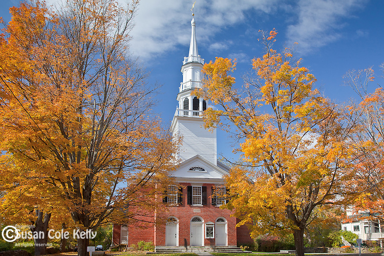 Fall foliage in the center of Sharon, CT, USA