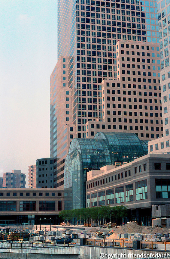 N.Y. City: Battery Park. Cesar Pelli, 1988.   Photo '88.