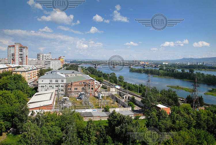 A view over the city of Krasnoyarsk with the Yenesei River running through it.