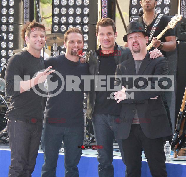 August 17, 2012 Jeff Timmons, Drew Lachey, Nick Lachey,Justin Jeffre,   98 Degrees perform on the NBC's Today Show Toyota Concert Serie at Rockefeller Center in New York City.Credit:© RW/MediaPunch Inc. /NortePhoto.com<br /> <br /> **SOLO*VENTA*EN*MEXICO**<br />  **CREDITO*OBLIGATORIO** *No*Venta*A*Terceros*<br /> *No*Sale*So*third* ***No*Se*Permite*Hacer Archivo***No*Sale*So*third*
