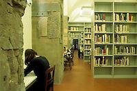 SNS.La Scuola Normale Superiore di Pisa è un centro di formazione e di ricerca fondato da Napoleone nel 1810 come succursale dell'École Normale Supérieure di Parigi.The Scuola Normale Superiore in Pisa is a centre for teaching and research founded by Napoleon in 1810 as a branch of the École Normale Supérieure in Paris. ...