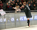 03.11.2018, OLympiastadion, Berlin, GER, DFL, 1.FBL, Hertha BSC VS. RB Leipzig, <br /> DFL  regulations prohibit any use of photographs as image sequences and/or quasi-video<br /> <br /> im Bild Timo Werner (RB Leipzig #11) bei seiner Freundin Paula<br /> <br />       <br /> Foto © nordphoto / Engler