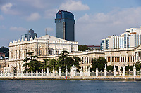 Europe/Turquie/Istanbul :  Mosquée du Palais de Dolmabahçe, Mosquée Besmi- Alem Sultan et Hôtel Ritz Carlton