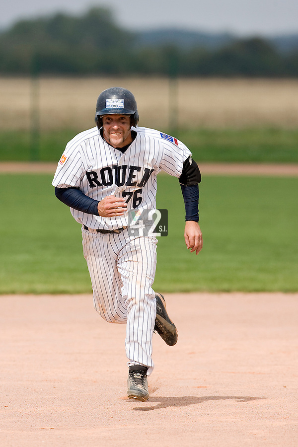 12 Aug 2007: Dany Scalabrini runs the bases during game 5 of the french championship finals between Templiers (Senart) and Huskies (Rouen) in Chartres, France. Huskies defeated Templiers 9-8 to win their fourth french championship.