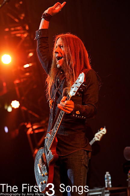 Charlie Starr of Blackberry Smoke performs at US Bank Arena in Cincinnati, Ohio on December 30, 2012.