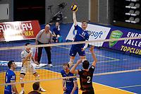GRONINGEN - Volleybal, Lycurgus - Papendal, Eredivisie,  seizoen 2019-2020, 19-1-2020,  Lycurgus speler Bennie Tuinstra slaat de bal vanaf de drie meter lijn