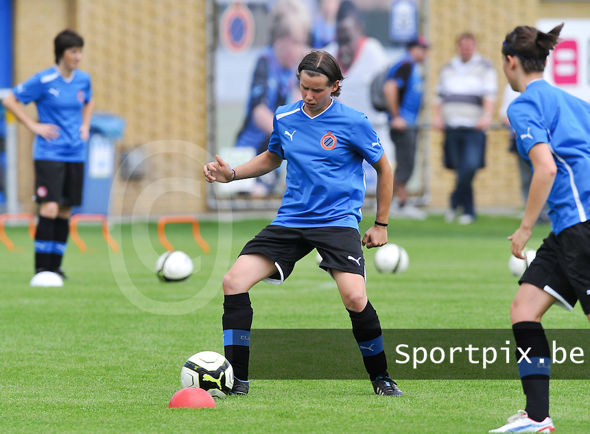 eerste training Club Brugge Dames : Angelique De Wulf .foto DAVID CATRY / Vrouwenteam.be