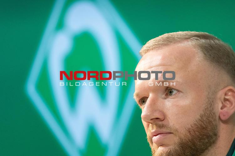 13.01.2020, wohninvest Weserstadion, Bremen, GER, Vorstellung Kevin Vogt - Werder Bremen<br /> <br /> Am Montag morgen(13.01.2020)  wurde Kevin Vogt (Werder Bremen Neuzugang #03) vorgestellt. Vogt soll die Bremer im Abstiegskampf helfen und die Abwehr dicht machen - Vogt kommt als Leihgabe von der TSG Hoffenheim bis zum 30.06.3030<br /> <br /> im Bild / picture shows <br /> <br /> Neuzugang Kevin Vogt wurde am Montag offiziell vorgestellt<br /> <br /> <br /> Foto © nordphoto / Kokenge