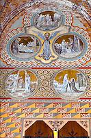Hungary, Budapest, Castle District: Frescoes depicting lives of the Saints decorating interior of Matthias Church (Matyas-Templom) | Ungarn, Budapest, Stadteil Buda, Burgviertel: Fresken in der Matthiaskirche