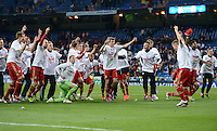 FUSSBALL   CHAMPIONS LEAGUE SAISON 2011/2012  HALBFINALE  RUECKSPIEL      Real Madrid - FC Bayern Muenchen           25.04.2012 Die Mannschaft des FC Bayern bejubelt den Einzug ins Finale