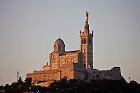 Europe/France/Provence-Alpes-Côte d'Azur/13/Bouches-du-Rhône/Marseille:Notre Dame de la Garde à l'aube