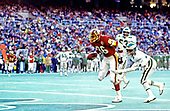 Washington Redskins tight end Clint Didier (86) scores a touchdown during the game against the Philadelphia Eagles at Veterans Stadium in Philadelphia, Pennsylvania on December 21, 1986.  The Redskins won the game 21 - 14.<br /> Credit: Arnie Sachs / CNP