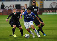 Seungho Paik (SV Darmstadt 98) setzt sich durch - 04.10.2019: SV Darmstadt 98 vs. Karlsruher SC, Stadion am Boellenfalltor, 2. Bundesliga<br /> <br /> DISCLAIMER: <br /> DFL regulations prohibit any use of photographs as image sequences and/or quasi-video.