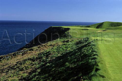 View of the 3rd hole known as Bream Rock at the Old Head Golf Links in Kinsale, County Cork, Ireland. Photo: Brian Morgan/actionplus...course courses club clubs general view views scene scenery spectacular landscape venue Irish sea 639 third