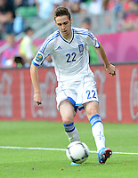 FUSSBALL  EUROPAMEISTERSCHAFT 2012   VORRUNDE Griechenland - Tschechien         12.06.2012 Kostas Fortounis (Griechenland) Einzelaktion am Ball