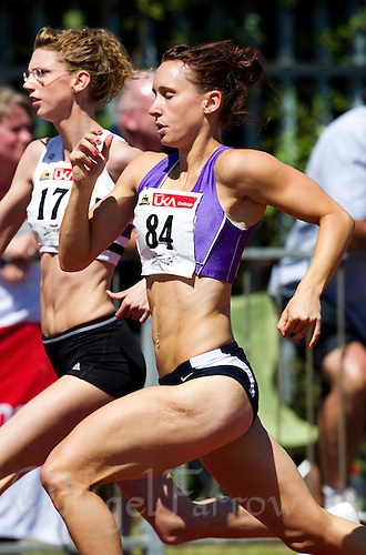 23 MAY 2010 - LOUGHBOROUGH, GBR - Emma Williams - Womens 400m B Invitation - Loughborough International Athletics .(PHOTO (C) NIGEL FARROW)