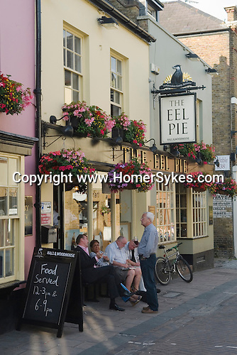 Twickenham Middlesex. Drinkers outside The Eel Pie pub named after Eel Pie island.