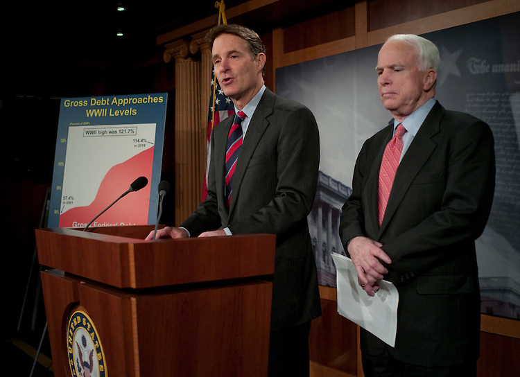 WASHINGTON, DC - Jan 26: Sen. Evan Bayh, D-Ind., and Sen John McCain, R-Ariz., during a news conference on their bill aimed at reining in government spending and to address the national debt. (Photo by Scott J. Ferrell/Congressional Quarterly)