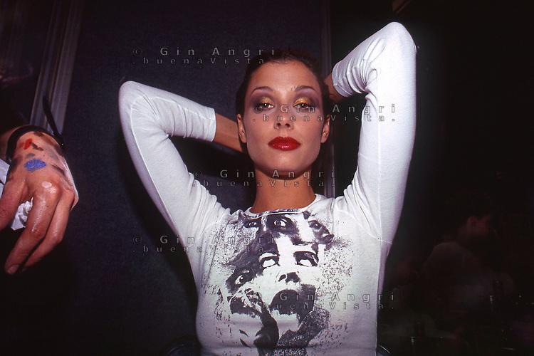 sfilata moda anni '90, bask stage