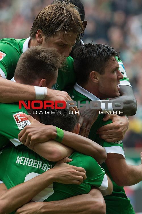 30.08.2014, Weser Stadion, Bremen, GER, 1.FBL, Werder Bremen vs TSG 1899 Hoffenheim, im Bild<br /> <br /> Jubel nach dem 1 zu 1 durch Alejandro Galvez (Bremen #4) zusammen mit Sebastian Pr&ouml;dl / Proedl (Bremen #15) Zlatko Junuzovic (Bremen #16) Santiago Garcia (Bremen #2) Izet Hajrovic (Bremen #14)<br /> <br /> <br /> Foto &copy; nordphoto / Kokenge