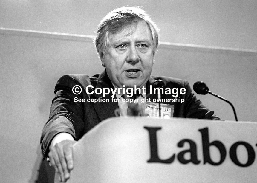 Roy Hattersley, MP, Labour Party, UK, Shadow Chancellor of the Exchequer, speaking at his party's annual conference September 1986. 19860925RH2<br />