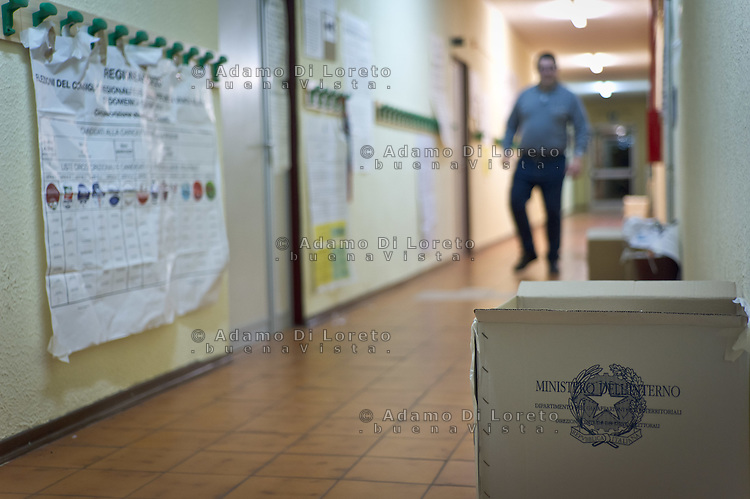 "The box of italian voting with ""Ministero dell'Interno"" texting on the floor during  Italian political culture in a day of election day. Silvi (TE) May 26 2014. Photo of Admo Di Loreto/BuenaVista*photo"