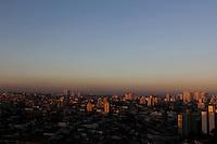 SAO PAULO, SP, 10 DE MARCO 2012. CLIMA TEMPO. Amanhecer nao bairro do Jabaquara, regiao sul de SP, na manha deste sabado,10. (FOTO: MILENE CARDOSO - BRAZIL PHOTO PRESS)