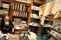 L'interno della Legatoria La Fenice, a Venezia.<br /> Interior of the Legatoria La Fenice bindery in Venice.<br /> UPDATE IMAGES PRESS/Riccardo De Luca