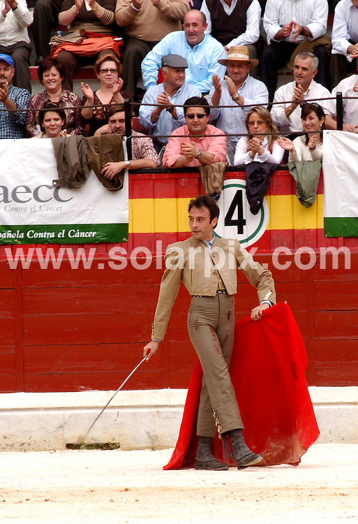**ALL ROUND PICTURES FROM SOLARPIX.COM**.SYNDICATION RIGHTS FOR UK, CANADA, USA, SOUTH AFRICA, SOUTH AMERICA, DUBAI, AUSTRALIA, NEW ZEALAND, GREECE, ASIA.Famouse Spanish bullfighters in the bullring..Pic:Enrique Ponce.JOB REF: 3728-SPA     DATE:19_04_07.**MUST CREDIT SOLARPIX.COM OR DOUBLE FEE WILL BE CHARGED* *UNDER NO CIRCUMSTANCES IS THIS IMAGE TO BE REPRODUCED FOR ANY ONLINE EDITION WITHOUT PRIOR PERMISSION*