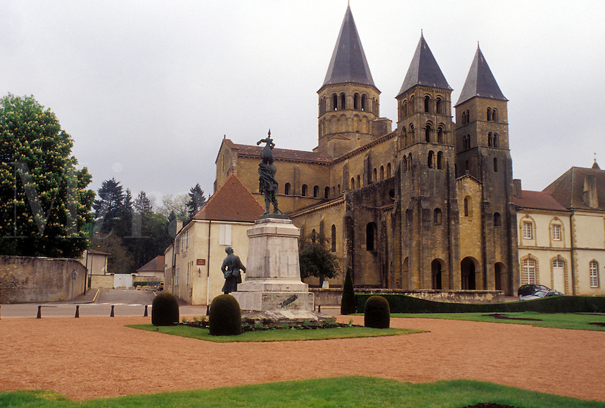 church, Burgundy, France, Paray-le-Monial, Saone-et-Loire, Bourgogne, Europe, wine region, Basilique du Sacre-Coeur in the city of Paray-le-Monial.