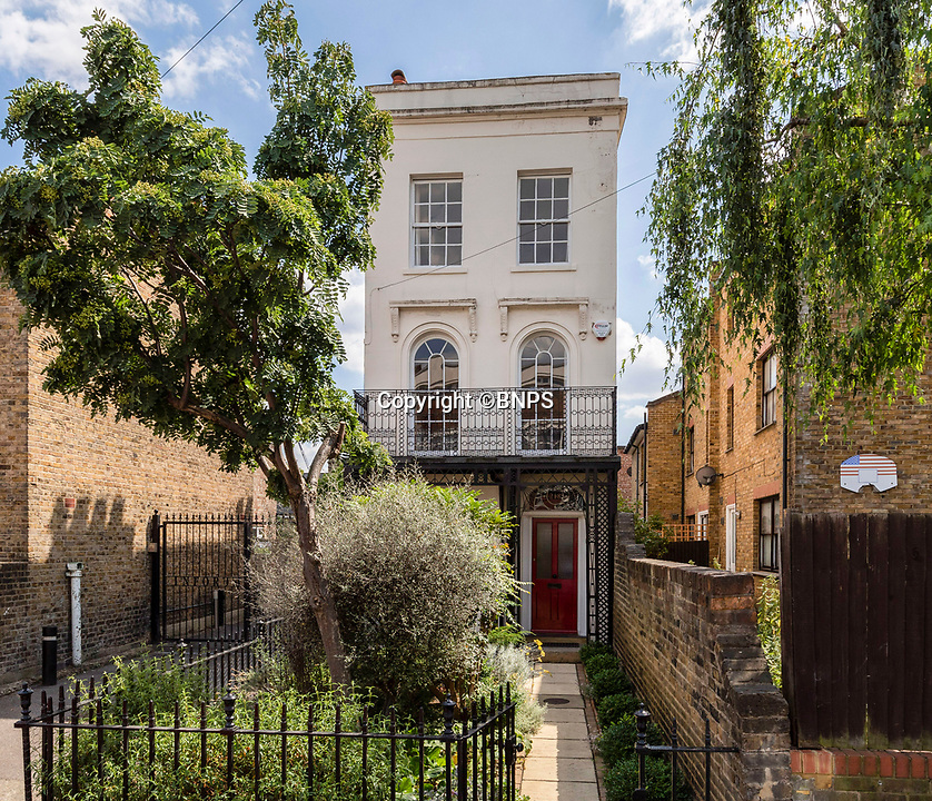 BNPS.co.uk (01202 558833)<br /> Pic: Mundays/BNPS<br /> <br /> Condominium - perfect pad for the upwardly mobile...<br /> <br /> A stylish-looking Georgian townhouse that was once home to a Victorian condom factory has emerged for sale for a whopping £1.2m.