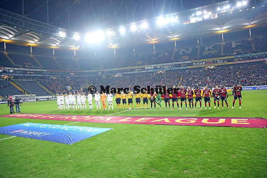 Mannschaften sind eingelaufen - Eintracht Frankfurt vs. APOEL Nikosia, Commerzbank Arena, Europa League Gruppenphase