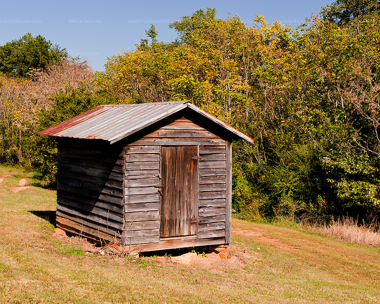 The picturesque old shed at the Homeplace Vineyards in Chatham Virginia.