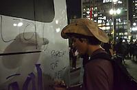 SAO PAULO, 06 DE JUNHO DE 2013 PROTESTO AUMENTO TARIFA - Milhares de pessoas protestam contra o aumento da tarifa do transporte publico, na regiã central no fim da tarde desta quinta feira, 06. (FOTO: ALEXANDRE MOREIRA / BRAZIL PHOTO PRESS)