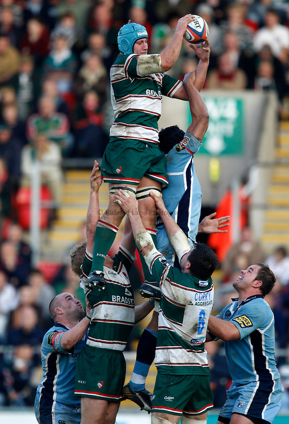 Photo: Richard Lane/Richard Lane Photography..Leicester Tigers v Cardiff Blues. EDF Energy Cup. 03/11/2007. .Tigers' Jordan Crane wins a lineout.