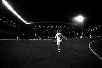 Pix:Michael Steele/SWpix...Soccer. Blackburn Rovers F.C...COPYRIGHT PICTURE>>SIMON WILKINSON..Blackburns Alan Shearer practices before a match.