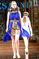 AlycesaundraL  at ArtHearts New York Fashion Week, moda, Runway Show