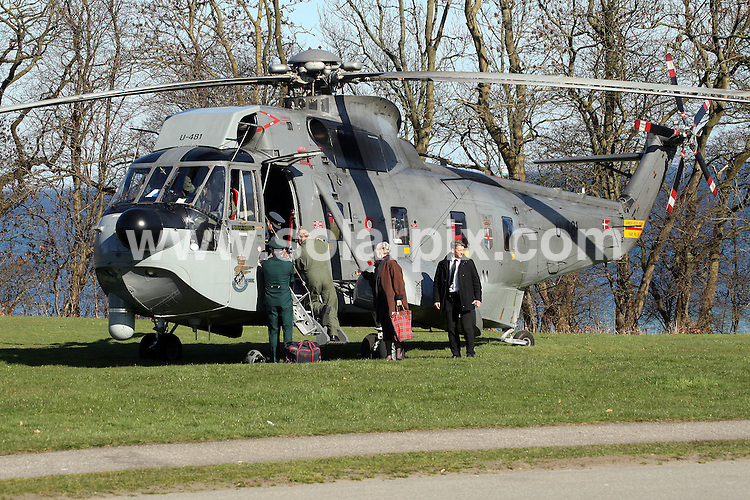 **EXCLUSIVE PICTURES FROM SOLARPIX.COM**.**SYNDICATION RIGHTS FOR UK AND SPAIN ONLY**.Queen Margrethe walking her dogs after a helicopter flight in Denmark..JOB REF:   8826     CPR/Henrik Dam    DATE:  17.04.09.**MUST CREDIT SOLARPIX.COM OR DOUBLE FEE WILL BE CHARGED**.**ONLINE USAGE FEE GBP 50.00 PER PICTURE - NOTIFICATION OF USAGE TO PHOTO @ SOLARPIX.COM**.**CALL SOLARPIX : +34 952 811 768 or LOW RATE FROM UK 0844 617 7637**