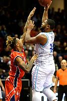 GRONINGEN -  Basketbal, Donar - New Heroes Den Bosch, Martiniplaza, Dutch Basketbal League, seizoen 2018-2019,  26-01-2019, Donar speler Lance Jeter met Den Bosch speler Jessey Voorn