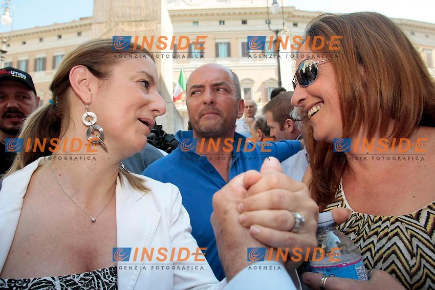 Roberta Lombardi e Paola Taverna<br /> Roma 18/06/2013 Piazza Montecitorio. Manifestazione dei Grillini.<br /> Photo Samantha Zucchi Insidefoto