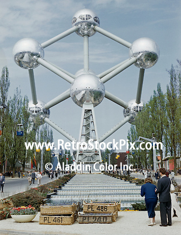 Brussels Worlds Fair - Atomium Building & fountain. 1958.