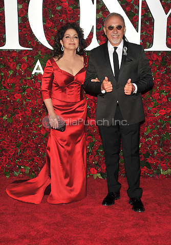 NEW YORK, NY - JUNE 12: Gloria Estefan and Emilio Estefan at the 70th Annual Tony Awards at The Beacon Theatre on June 12, 2016 in New York City. Credit: John Palmer/MediaPunch