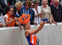 Paris, France, 26 June, 2016, Tennis, Roland Garros,  Kiki Bertens (NED) makes a selfyie with fans<br /> Photo: Henk Koster/tennisimages.com