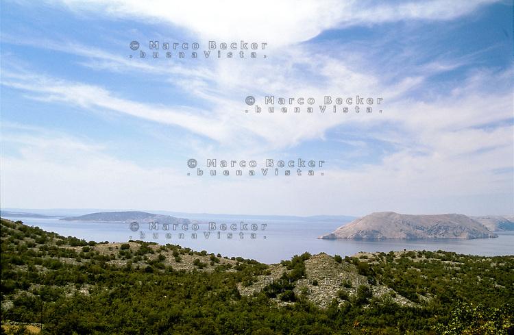 Croazia, isole nei pressi di Segna --- Croatia, islands near Senj