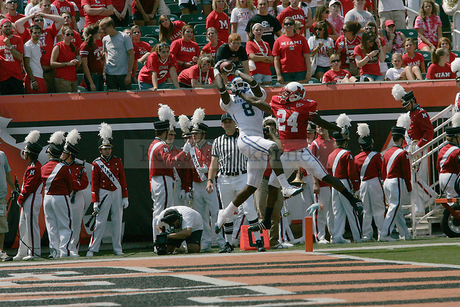 UK junior wide receiver Chris Matthews catches a 21 yard pass from junior quarterback Mike Hartline during the first quarter of the game against Miami-Ohio on Saturday Sept. 5, 2009 at Paul Brown Stadium in Cincinnati, Ohio. The Cats won 42-0. Photo by Adam Wolffbrandt \ Staff