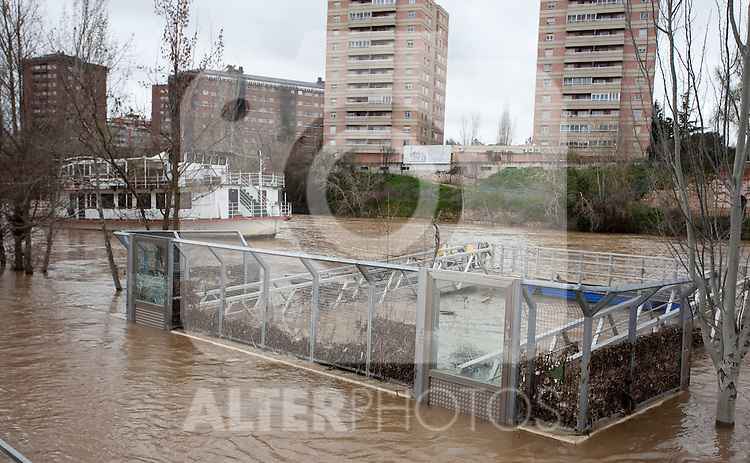 Flood of the Pisuerga river in Valladolid. Heavy rains during the last month have provoked the rise of the water level, a record in the last years. Small villages have suffered floods in their houses and roads. March 30, 2013 (Victor J Blanco/Alterphotos)