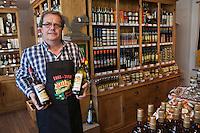 Europe/France/Limousin/19/Corrèze/Brive-la-Gaillarde:  Boutique Salers, les Terres Rouges, 4, place du Civoire - Salers: Liqueur apéritive à base de racine de gentiane